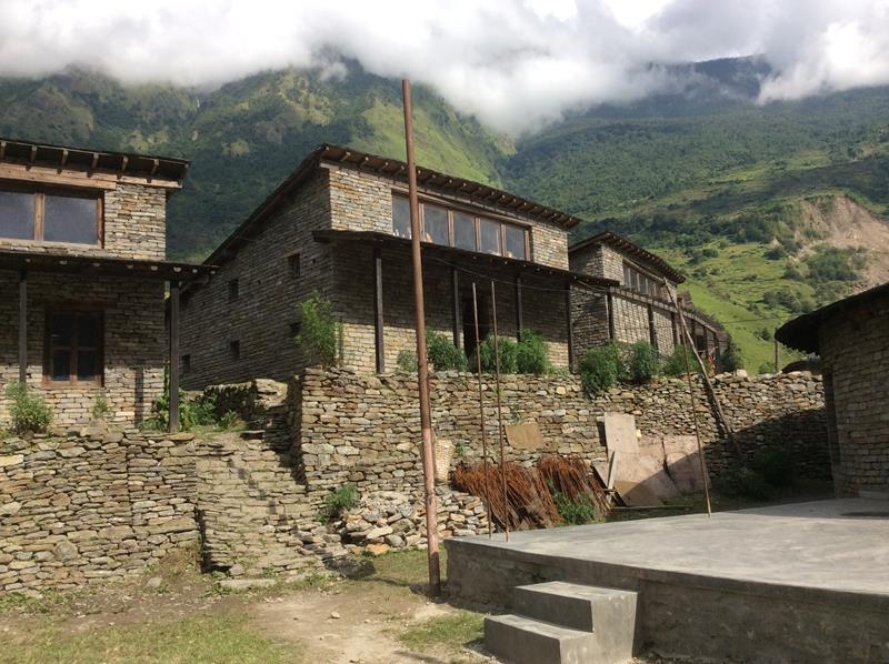 再建工事が完了した1棟目と2棟目の寄宿舎