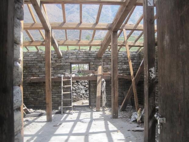 再建工事が進む1棟目の寄宿舎