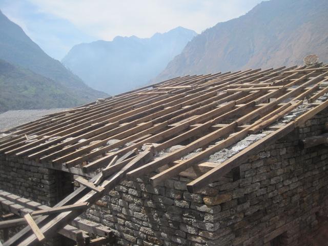 垂木等の木材は既存の材料を再利用