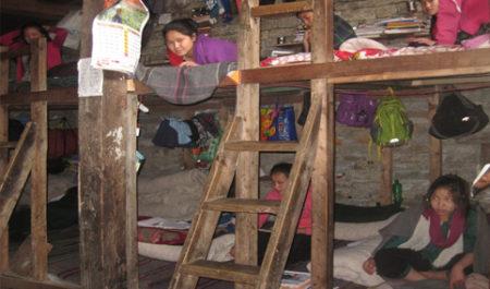 内部のベッドは元の木材を再利用